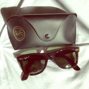 Ray Ban polarized wayfarer tortoise shell RB2140